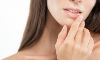Top 6 Ways to take Care of the Skin Naturally