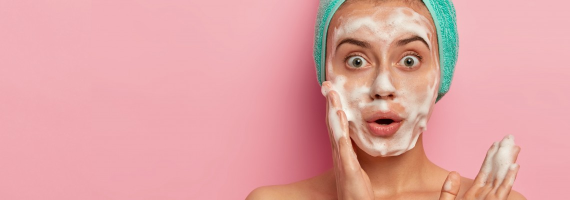 How to Choose the Right Face Wash For Summers
